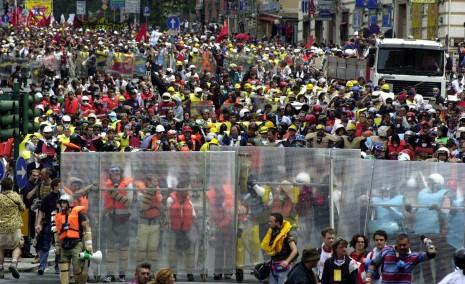Genova luglio 2001, Manifestanti contro G8