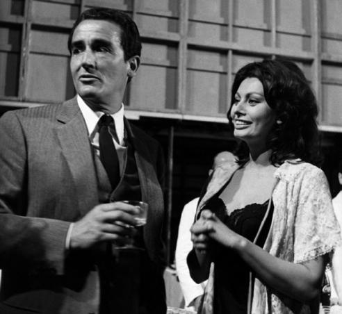©lapresse archivio storico spettacolo Sofia Loren Italia, anni '70 nella foto: Sofia Loren con vittorio Gasman