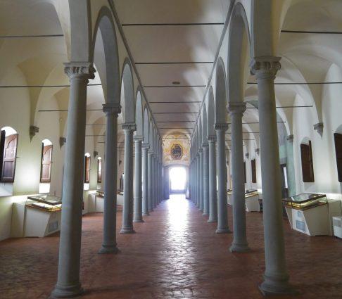 biblioteca-vista-dalla-sala-greca